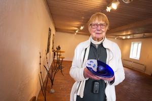 Konst. Glas av Stefan Johansson och smide av Marina Podymova och Michael Wilhelmsson finns i galleriet till den 9 oktober.