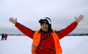 Även Glenn Ocklund är en fartentusiast som älskar att köra motorcykel på isen i flera hundra kilometer i timmen. Foto: Jennie-Lie Kjörnsberg