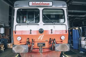 ¨Undersöka om det går att få bidrag till upprustning  av Inlandsbanan. Banan är en viktig transportled i inlandet för turism, men framförallt för godstrafik
