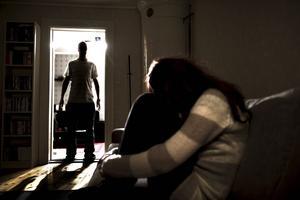 Polisen i Falun ser en klar ökning av relationsvåld under storhelger.