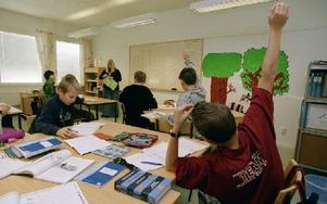 På måndag börjar ett nytt läsår i landets olika skolor. Här ökar också klasskillnaderna samtidigt som de allmänna resultaten försämras. Foto: ERIK G SVENSSON