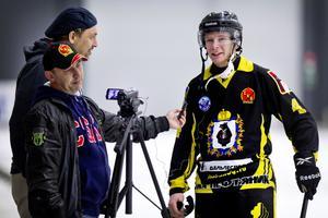 Edberg i Neftyanik, intervjuas av klubbens hemsida.