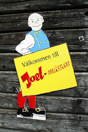 Joelfiguren syns lite överallt i Hammerdal under festhelgen.