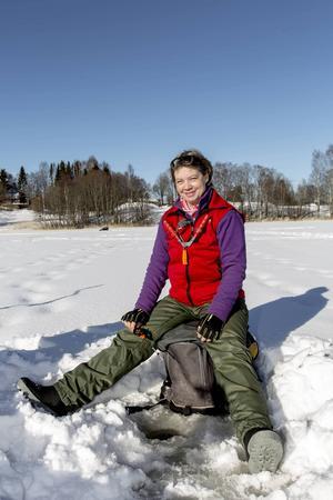 Sportfiske är härligt. Naturupplevelse och gemenskap. Det tycket Kina Christoffersson som är ansvarig för tjejfiskeklubben Fjällornas lokalavdelning i Sundsvall. Hon och klubben försöker få fler tjejer att prova på sportfiske.
