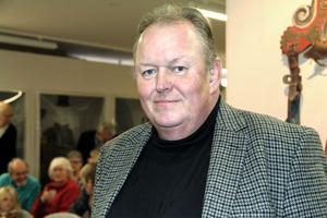 Lars Norin är barnbarn till Per Albin Norin, som startade Helsingerunor. Farfar var