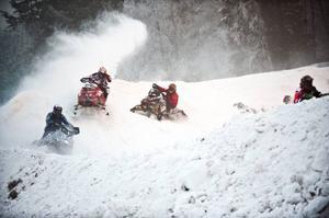 Den största tävlingen inom svensk snöskotersport, Arctic Cat Cup på Gräfsåsen, är 30 dagar bort. Nu börjar arrangörerna bli orolig för väderläget.