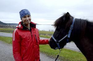 Joanna Sätter har, i sitt examensarbete från Wången, tagit kol på myten om att ridning inte skulle vara ansträngande för ryttaren.