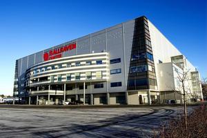 Vill du se Måns Zelmerlöw på Fjällräven Center i augusti behöver du först bli medlem i Modo Hockey för att få köpa en biljett.