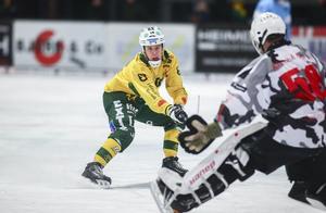 Jonas Pettersson gör kommande säsong sin debut som anfallare i elitserien.