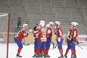Västanforsspelarna fick jubla efter 3–2 mot Tillberga.