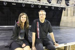 Ulrika Swartz, sociala medier- och backstageansvarig samt Edward Janson, arrangör bakom Gefle Metal Festival ser fram emot helgens batalj på Gasklockorna.