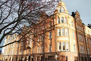 I det här sekelskifteshuset på Brynäs – granne med Dalapalatset – bor numera Ulf Ivars Nilsson.