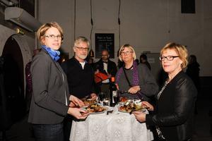 Maria Lenströmer, Kennet Andersson, Rose Ericsson och Birgitta Andersson hade höga förväntningar på Faust. Rose Ericsson har tidigare varit ordförande i teaterföreningen och har följt verksamheten sedan start.