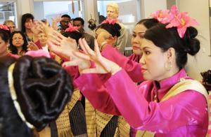 Gammeldans från Thailand är inte riktigt detsamma som gammeldans från Sverige,