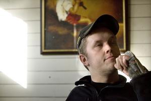 Stress och pressad ekonomi är riskfaktorer inom jordbruket, anar Marcus Ahlström.
