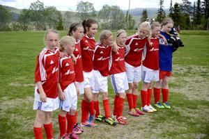 När LT besöker Funäsdalen är det full fart på fotbollsplanen. Funäsdalen F02 spelar två matcher mot Hackås. Dagen innan har de spelat en match i Östersund och en i Brunflo.