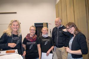 Rose-Marie Lagerqvist, Malin Nordahl, Eva-Lena Lassar-Söderlund, Bosse Söderlund och Oh Happy Days körledare Anna Knabäck.