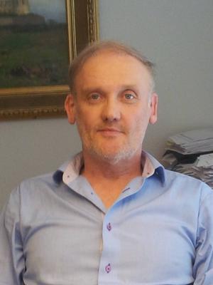 Gunnar Hultgren brottas med dåligt samvete efter att inte betalat en skuld på de senaste drygt 20 åren. Nu vill han ha hjälp.