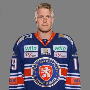 6. Tuomas Kiiskinen, Växjö      Här har Växjö fått in en offensiv forward som är skicklig med pucken. Kiiskinen har fina händer och ser passningsytorna oerhört bra.