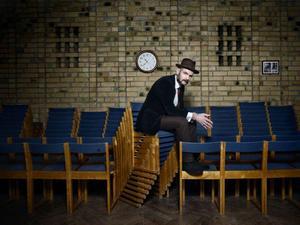 – Jag gillar sorgsen musik, man får tröst av att höra någon annan som är ledsen, säger Lars Bygdén som ikväll spelar i Storsjöteaterns foajé och för bara någon månad sedan släppte en dubbel-cd med ett urval äldre sånger.