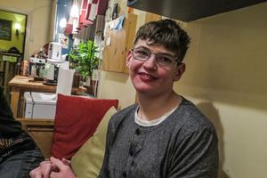 Daniel Puttick från Tångeråsen är en sympatsik 17-åring som behöver mycket hjälp på grund av sina svåra funktionshinder.