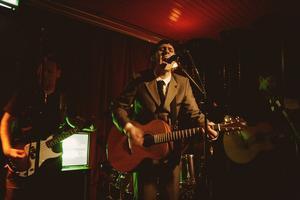 Jimi Wåhlin. Aktuell med sin andra ep-platta med sitt soloprojekt St. Jimi Sebastian Cricket Club.