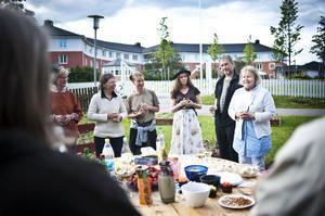 Eva Bovin, ordförande för föreningen Hudiksvalls stadsodlare, hälsade välkommen vid invigningen i måndags.
