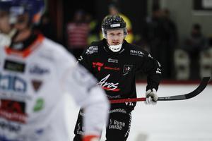 Niklas Eriksson tvåmålsskytt när Tillberga fixade en pinne mot Bollnäs.