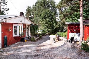 Ett fritidshus på adressen Övertänger 574 i Enviken, Falu kommun, är trea på Klicktoppen för vecka 16.