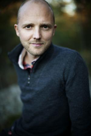 David Jonstad är chefredaktör på klimatmagasinet Effekt, författare och frilansjournalist. Han skriver om vår tids överlevnadsfrågor, klimat, miljö, energi, hållbarhet och omställning.Foto: Linda Gren