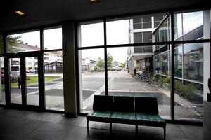 Skribenten tycker att informationen från Sandvikens kommun om framtidens skola har stora brister.