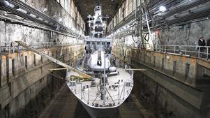 2008. Regeringens försvarsbeslut slog fast att den svenska marinen bara skulle ha en marinbas – i Karlskrona. År 2005 började därför örlogsbasen på Muskö avvecklas. I dag finns där verksamhet framför allt i privat regi.