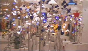 """""""Light"""". Lampskärmar från helvetet, i en konstfilm av C. Anders Wallén."""