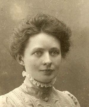 Elsa Anderson.