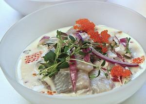 Norrländsk sill är inget man förbereder utan blandar till strax före servering.   Foto: Dan Strandqvist