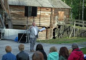 Lars T Johannson ledde allsången.