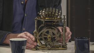 Rasmus Malling-Hansens skrivkula är världens första serietillverkade skrivmaskin. Exemplaret i