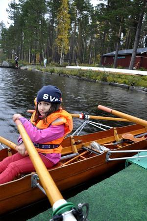 Olivia Stranne är redo att bege sig ut på vattnet.