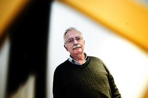 Lasse Molin (M) har de senaste dagarna fått kritik för sina uttalanden och den polisanmälan som kommunen gjort mot Örjan Fridner (S).
