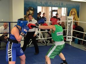 Elise Lea Kolstad, B-30 och Anna Hedlund, BK Älgen. Kampen slutade med seger 3-0 för Anna Hedlund.