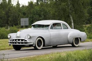 Från Bengtsfors hade Micke Lindgren kört till Gnarp i sin Pontiac 1950.
