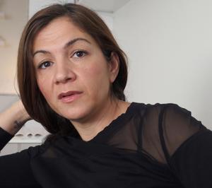 Det var debatten mellan Liberala Kvinnors ordförande Gulan Avci och Feministiskt initativs Gudrun Schyman som fick Helene Bergman att vilja skriva
