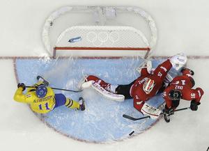 Tre Kronors bäste forward i OS-turneringen så här långt är utan tvekanveteranen Daniel Alfredsson.