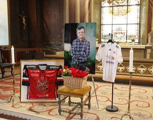 Minnesstund för skådespelaren Bosse Östlin hölls på lördagen i Sankt Jakobs kyrka, Hudiksvall.