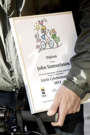 John Samuelsson trivs med att cykla i snitt två-tre mil om dagen.