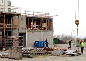 Bygg mer. Kraven på ökat bostadsbyggande kommer från flera håll. Foto: Arkiv