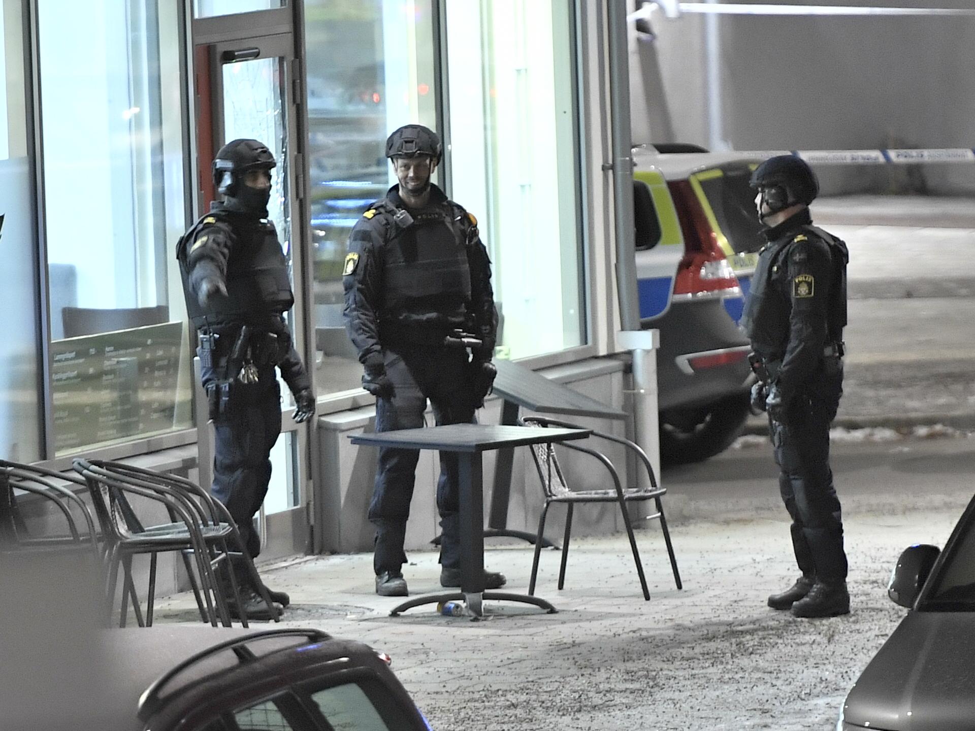 Dubbelmord forbryllar polisen