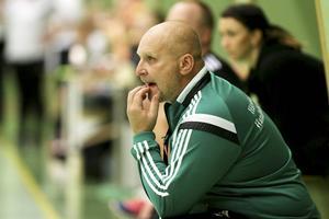 Börje Westerlind, coach hos Härnösands HK, var besviken efter lagets insats mot serieledarna Gimonäs/Umeå.
