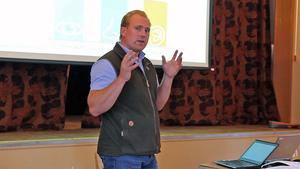 Erik Matsson från Jägarförbundet föreläste om kronhjortarnas biologi och hur stor stammen bör vara.
