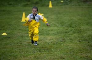 Lukas Jonsson Marti sprang så jackan höll på att flyga av.